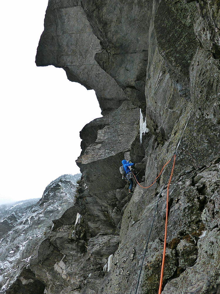 Kevin leading pitch 3 of Post Nasel Drip. The pull into the corner was tricky and the exposure a little airy.
