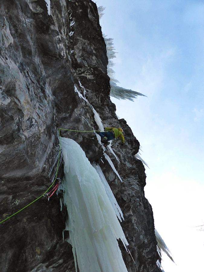 Myself on an absolute shoulder blaster called Fang Shui. Matt tried it afterwards but got a little rough with the icicle which scudded into the earth making the climb a whole lot more pumpier proposition. After this climb Matt and I decided tomorrow would be a rest day! Pic credit, Matt McCormick.