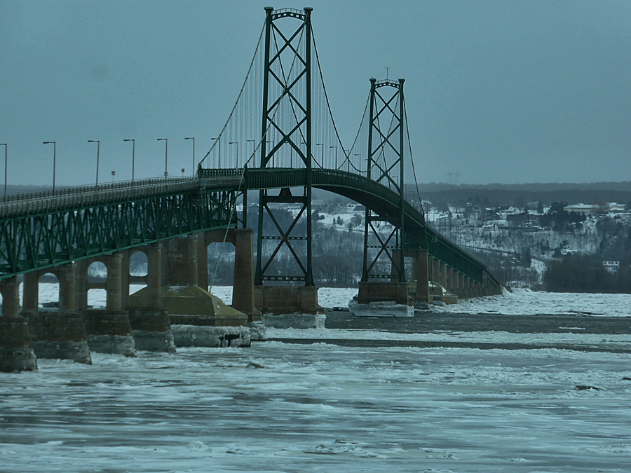 Île d'Orléans Bridge, Quebec City.