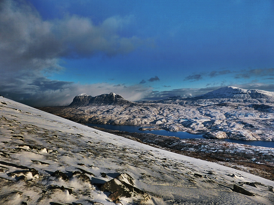 Looking towards Suilven on the walk in to Cùl Mòr.