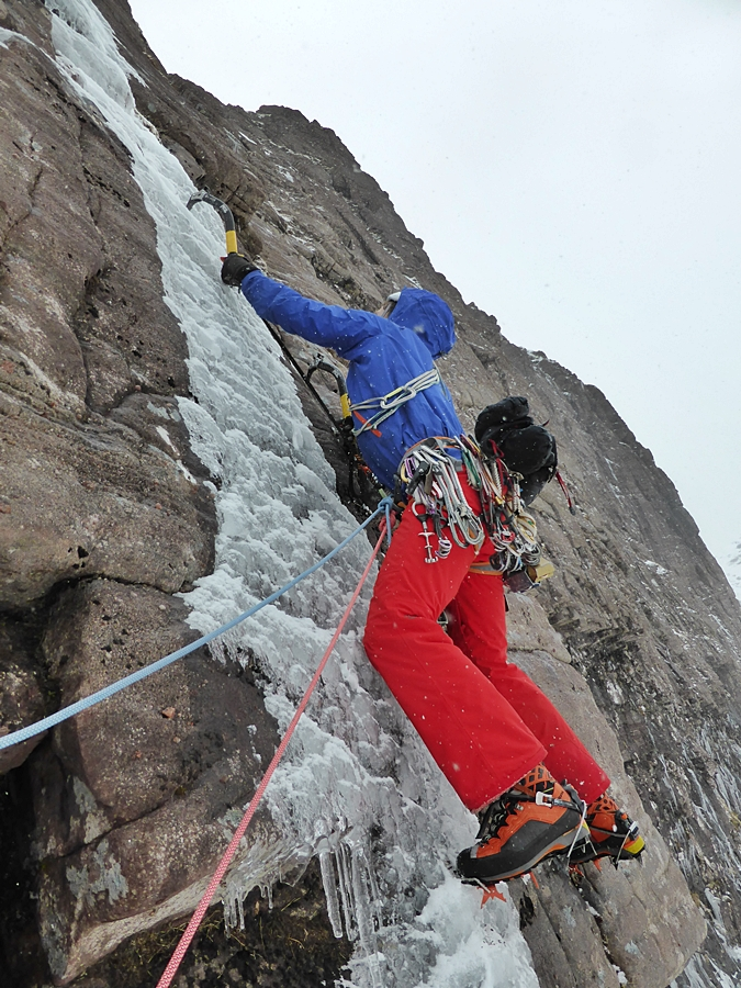 Andy setting off on the second pitch of The Wrecking Light. Credit, Nick Bullock.