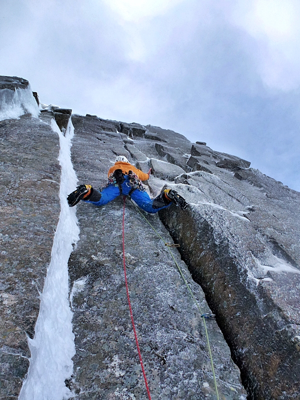 Guy Robertson climbing the second pitch of Slenderhead.