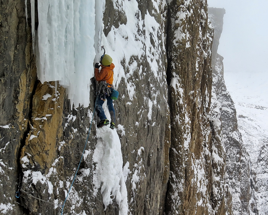 Progression. The correct, or at least, the easiest way to reach the ice is by climbing the rock flake high before stepping right. Pic credit, Raphael Slawinski